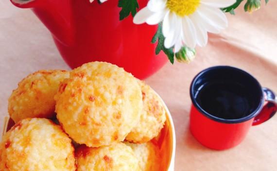 Pão de queijo com tapioca granulada