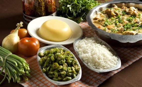 Restaurante Maria das Tranças e seu frango ao molho pardo