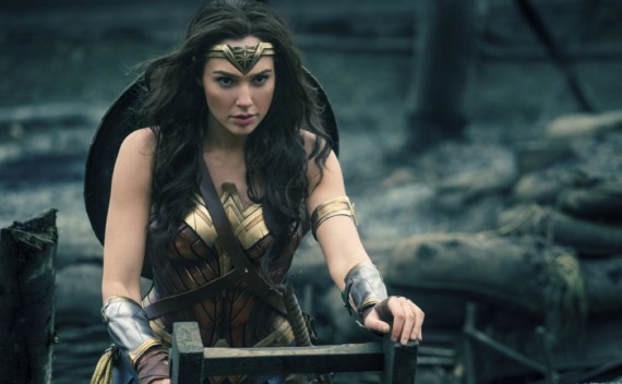 Mulher Maravilha, isso que é super heroína!