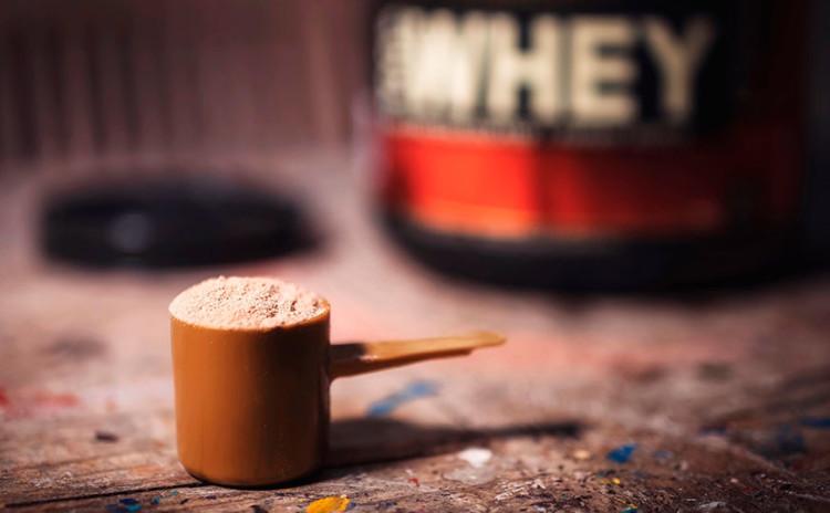 O que é Whey Protein? Faz mal? Precisa tomar?