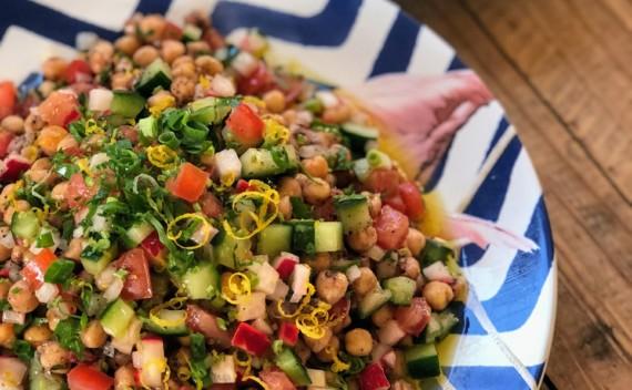 Salada de grão de bico com especiarias